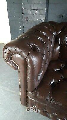 80. Charming Chesterfield Vintage Brown 4 Seater & Pouffe Club Leather Courier AV