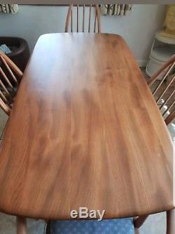 Lovely Ercol Elm Plank Dining Table & Chairs Set Quaker Windsor 2 + 2 Carver