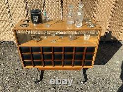 Midcentury Vintage Retro Cocktail Bar Display Drinks Cabinet. Man Cave Home Pub