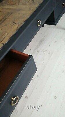 Stag Minstrel pedestal desk dressing table sideboard (10 miles free delivery)