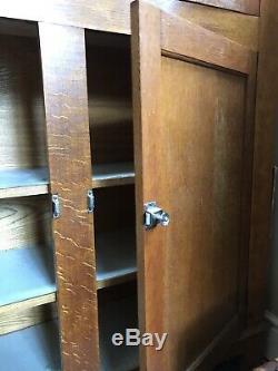 Stunning Vintage Oak dresser/larder kitchen dining room storage cupboard