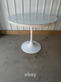 Vintage Retro Unique Round Dining Kitchen Table Marble Effect Top & Tulip Base