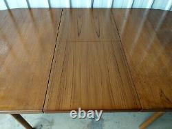 Vintage Retro Very Large Extending Extendable Wooden Dining Kitchen Table