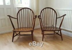 2 Antique Chaises Ercol Bois Sombres Occasionnels Cheminée Accent Avec Des Coussins