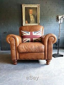 5019. Fauteuil Vintage Club En Cuir Beige Chesterfield Livraison Disponible