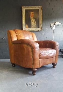642. Superbe Courier Vintage En Cuir Marron Chesterfield Club Disponible