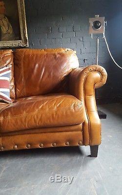 812. Canapé Vintage Chesterfield En Cuir Vieilli 3 Places Marron Tan Courier Av