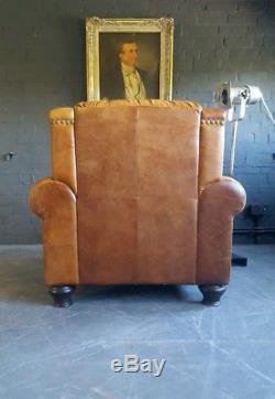 897. Fauteuil Chesterfield Vintage Club En Cuir Brun Courier Disponible