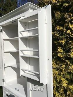 Armoire Peinte Larder, Vendange Recyclé, Entièrement Rénové