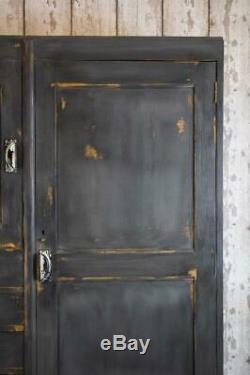 Armoire Penderies Vintage Industrial Housekeepers Armoire (incl. Tva)