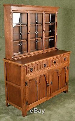 Cabinet D'affichage De Commode Welsh Habillé De Main De Charme D'antiquité De Charme D'antiquité De Main De Charme