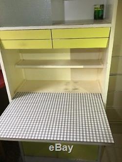 Cabinet De Garde-manger De Cuisine Des Années 50/60 Avec Placard Assorti Cabane À Bergers Vintage