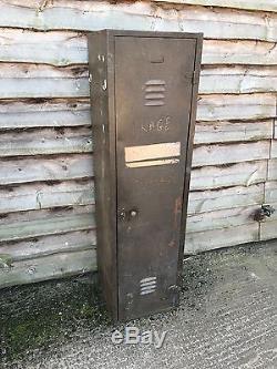 Casier Rustique Vintage En Métal Antique En Acier