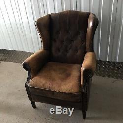 Chaise D'aile Chesterfield Vintage À Bout Haut En Cuir Brun Brun Brun