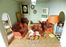Customisé Tri-ang Lunby Christmas Dolls Home House + Meubles No65 + Éclairage