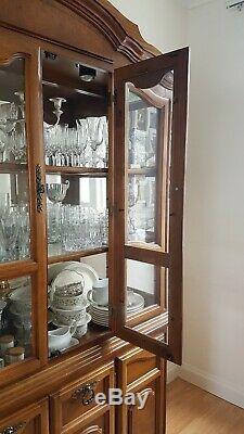 Harrods Verre Vitrine, Cupboad, Dresser. Meubles En Bois, Antiquité, Cru
