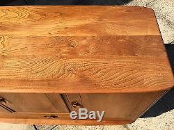 Impressionnant Ercol Windsor Sideboard Cabinet 60's Retro Vintage