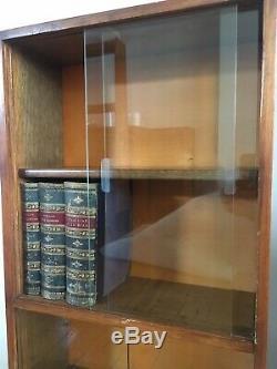 Paire D'armoires D'affichage Rétro De Petites Bibliothèques Vitrées De 3 'de Hauteur