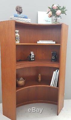 Présentoir D'angle Pour Bibliothèque En Forme De Teck Avec Placage En Forme De Teck