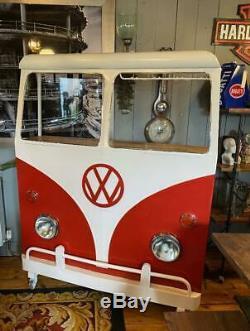 Rétro Des Années 1960 D'inspiration Vintage Vw Camper Van Home Bar De Travail Red Lights