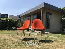 Suite De Quatre Chaises Lurashell Avec Garniture Orange Vif MCM 60's 70's