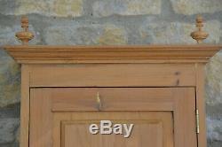 Une Cuisine / Salle De Bains Armoires / Cabinet Superbe Antique Vintage Pin Mur