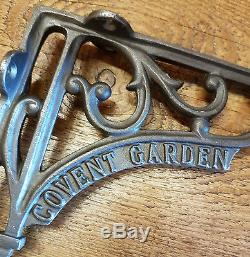 Une Paire De Fonte Covent Garden 6 Supports De Tablettes De Chemin De Fer / Vintage / Retro