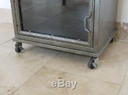 Usine Industrielle Metal & Glass Tall Boy Coffre Armoire Rangement 153cm