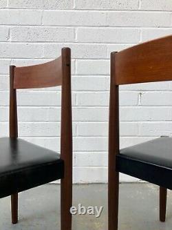 Vintage 4 X Poul Volther Pour Frem Rojle Chaises À Manger. Rétro Danois Hans Olsen
