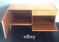Vintage 60s Angle Française Low Sideboard Cabinet Armoire À Tiroirs De Milieu Siècle